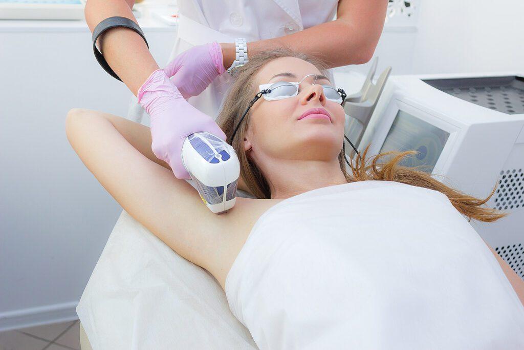 Лазерная эпиляция на лице стоимость салонной процедуры